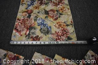 Tble Cloth & 12 Napkins