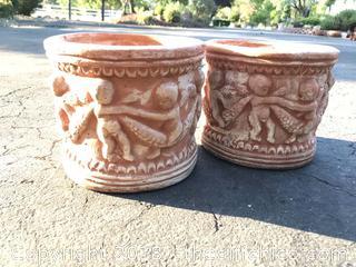 Lot of 2 Flower Pots