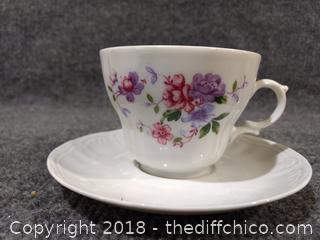 Vintage Wunsiedel Bavaria Germany Floral Pattern Tea Cup/Saucer