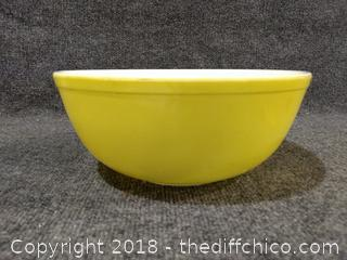 Pyrex Yellow Mixing Bowl - Large - Vintage