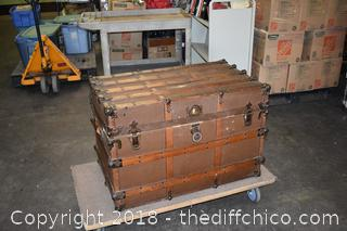 Vintage Trunk w/Compartments