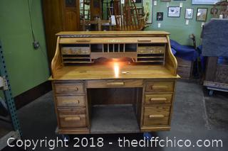 Roll top Desk w/Light and Key