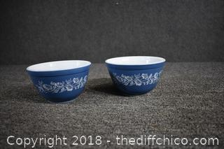 2 Blue Colonial Mist Mixing Bowls