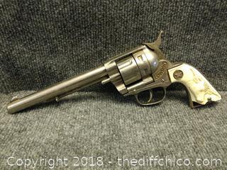 """Vintage Hubley """"Cowboy"""" Cap Gun - Has Grip Damage"""