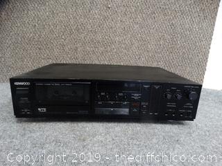 Kenwood  Cassette Deck powers on