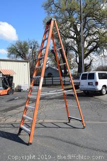 12ft Husky Fiberglass Ladder