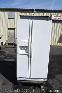 Whirlpool Refrigerator/Freezer w/Door Water/Ice Maker-right out of house