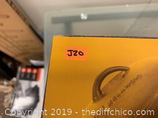 ZELANCIO 2.5 QUART PRE-SEASONED NON-ENAMELED SAUCE (J20)