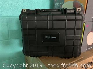 ELKTON OUTDOORS 3 PISTOL HARD GUN CASE- TSA APPROVED: CRUSH RESISTANT & WATERPROOF (J11)