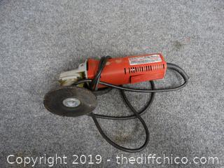 Milwaukee Heavy Duty Sander/ Grinder wks
