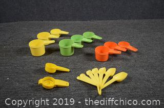 Tupperware Measuring Spoons and Cups