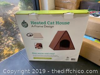 Frontpet A-Frame Heated Cat House For Outdoor & Indoor Cats (J21)