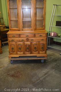 2 Piece Maple Hutch