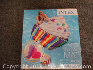 NIB Cupcake Swim Raft