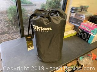 Elkton Outdoors Fish Cooler Bag With Carry Strap & Storage Bag (J78)
