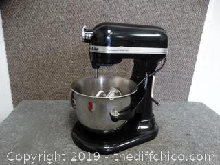 Kitchen Aid Professional 6000 Hd works With Attachments