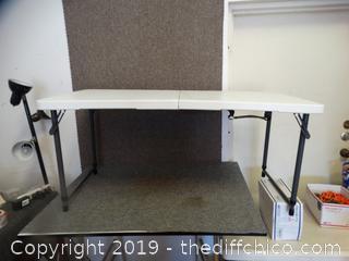 4 FT Adjustable Table