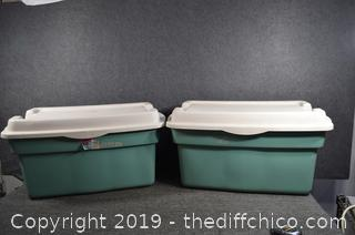2 Rubbermaid Totes w/Lids