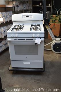 New GE 4 Gas Burner Stove/Oven