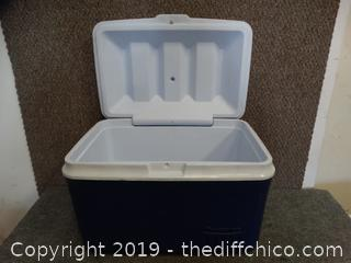 Rubbermaid Cooler