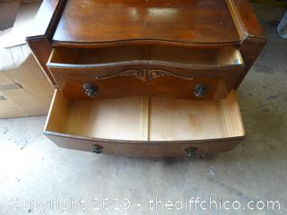 2 Drawer Vintage Vanity With Mirror