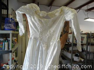 Demetnoo Wedding Dress size 18