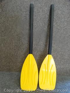 2 Oars