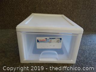 Sterilite Container