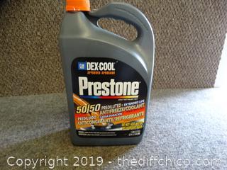 NEW Prestone  50/50 antifreeze