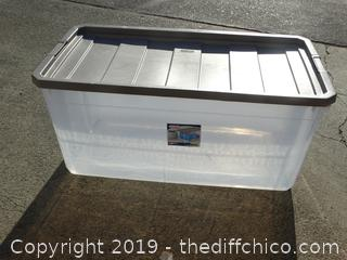 Sterilite Container with Lid