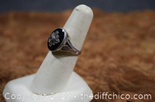 Sterling Silver Ring w/Onyx Stone Size 7