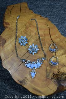 Necklace w/2 Pair of Earrings