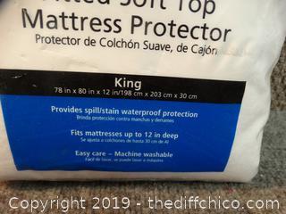 King Size Mattress Protector NIB