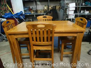 Solid Wood Pub Table With 4 Pub Chairs ( bring help very heavy)