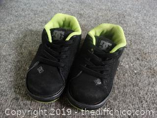 Toddler DC Shoes size 6