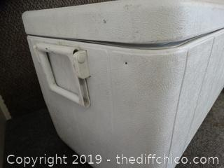 Coleman Ice Chest missing 1 handle