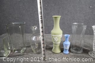 8 Vases