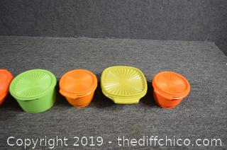 6 Pieces of Harvest Color Tupperware w/Lids