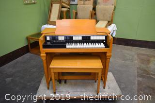 Working Hammond Organ w/Bench