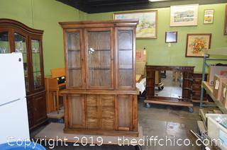 2 Piece Hutch w/Glass Shelves and Lights