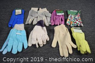 8 Pair of Gloves