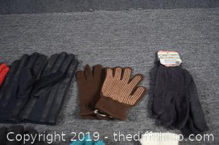 8 Pair of Gloves