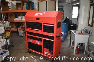 New 2 Piece Rolling Milwaukee Tool Box w/key