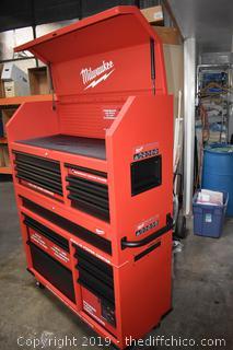New 2 Piece Rolling Milwaukee Tool Box w/key