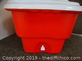 Rubbermaid Ice Chest