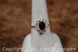 Sterling Silver Ring Size 8 w/Garnet