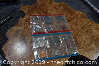 1975 Un-circulated Coins