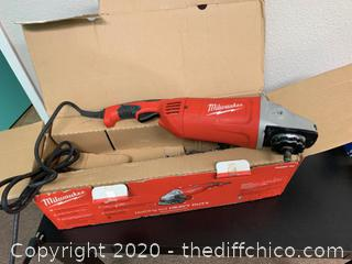 Milwaukee 15 Amp 7/9 in. Large Angle Grinder (J49)