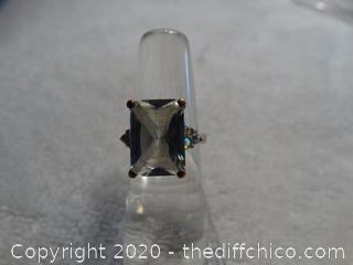 Ring With Stone Size 6