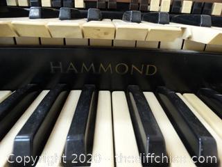 Organ W/ Bench